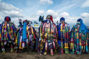 하늘 문을 닫는 제의를 행하고 있는 시베리아 샤만들